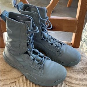 "Nike SFB field 8"" boots sage green NEW"
